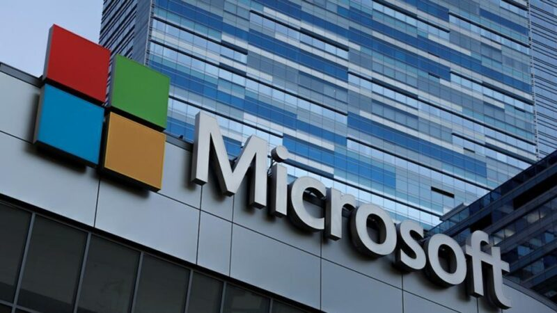 Microsoft launches cloud business