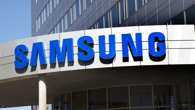 Samsung launches chargeable pick-up and drop facility for smartphones, tablets servicing
